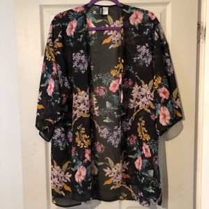 H&M Floral Kimono - Medium